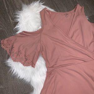 ⚡️Flash Sale!⚡️Francesca's Pink Wrap Dress